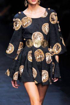 Dolce & Gabbana Spring 2014 Ready-to-Wear Detail - Dolce & Gabbana Ready-to-Wear Collection