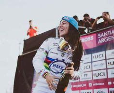 Mariana Pajón campeona mundial de BMX Bmx Racing, San, Baseball Cards, Rio 2016, Instagram, Mariana, Hs Sports, Cycling, Champs