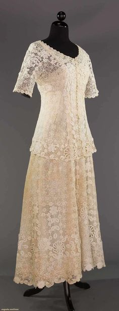 North America's auction house for Couture & Vintage Fashion. Augusta Auctions accepts consignments of historic clothing and textiles from museums, estates and individuals. Edwardian Fashion, Vintage Fashion, Vintage Style Outfits, Vintage Dresses, Belle Epoque, Corset, Crochet Wedding, 20th Century Fashion, Lace Outfit