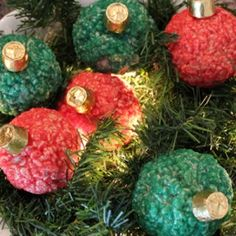 Are the kids home from school this week on Christmas vacation? Heres a yummy holiday treat you can make together. These Rice Krispy Ornaments are a cute treat to bring to neighbors and the. Christmas Goodies, Christmas Desserts, Holiday Ornaments, Holiday Treats, Christmas Treats, Winter Christmas, Holiday Fun, Christmas Holidays, Xmas