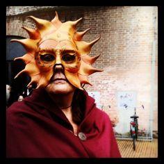 @iaiav_#rinascife2014 #carnevalerinascimentale #comunediferrara #picoftheday #ferrara #igersferrara #igersitalia #igersemiliaromagna #ilikeitaly #medievale #maschera #sole #donna