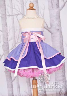 Rapunzel inspired Dress Up Costume Apron.Half Apron style Made to Order… Rapunzel Dress Up, Princess Dress Up, Princess Outfits, Tutu Costumes Kids, Dress Up Costumes, Little Girl Dresses, Girls Dresses, Dress Up Aprons, Everyday Princess