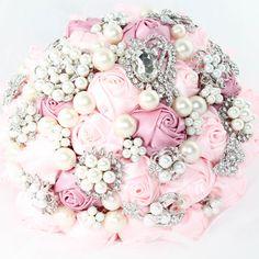 MARCELINE Brooch Bouquet