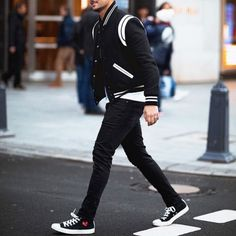 Simple Street Style, Men With Street Style, Boy Fashion, Mens Fashion, Fashion Outfits, Fashion Trends, Varsity Jacket Outfit, Mens Clothing Styles, Trendy Outfits