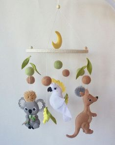 Australian animal baby mobile featuring kangaroo koala, cockatoo with Australian wildflowers animals nursery decor mobile ceiling kids decor – Nilpferd - Baby Animals Australian Nursery, Australian Animals, Koala Nursery, Animal Nursery, Safari Nursery, Cool Baby, Nursery Themes, Nursery Decor, Themed Nursery