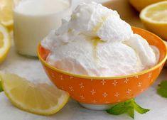 Glace au citron au Thermomix, recette d'une savoureuse glace moelleuse au bon goût acidulé du citron, facile à préparer au thermomix, sans sorbetière.