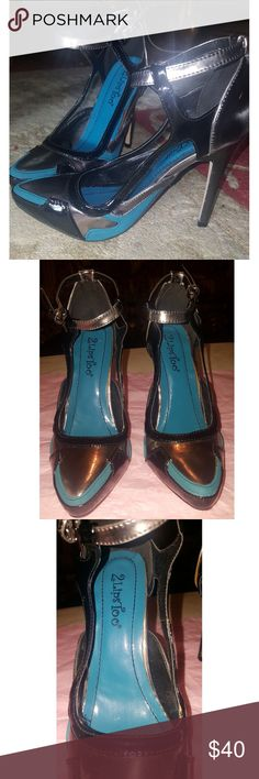 👠2 Lips Too Blue and Metallic Heels👠 Never worn but has scruff marks as shown on the back. No other flaws.  Size 6  Combination of blue, silver, and dark gray tones.  Looks very cute with a shimmery silver top and skinny jeans.  You can pair these with anything! Find a matching bag and you're set. 2 Lips Too Shoes Heels