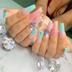 мerмaιd 🧜🏻♀️ vιвeѕ Tag your mermaid friends 👭 . Summer Acrylic Nails, Best Acrylic Nails, Acrylic Nail Designs, Summer Nails, Fabulous Nails, Gorgeous Nails, Pretty Nails, Perfect Nails, Bling Nails
