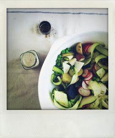 Edible Living: zucchini pasta- 20 minute meal recipe