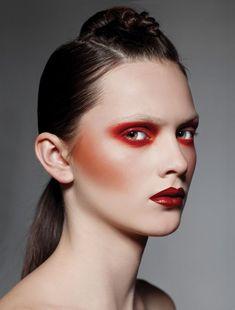 cool Оригинальный макияж с красными тенями — Какому цвету глаз подойдет?