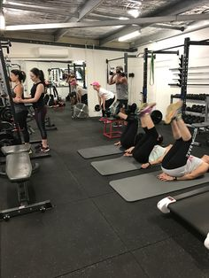 Full house this morning with Lisa Mackin clients & my own clients smashing out there early morning workout!!  Great effort today team😄