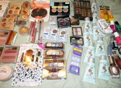 25 assorted wholesale makeup lot eyes lips face nails all skin name brands new