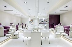 Top Nail Salons In Dubai By Neighbourhood Salon In Dubai, Dubai Mall, Nail Art Salon, Nail Salons, Looks Kim Kardashian, Hair And Beauty Salon, Beauty Nails, Nail Spa, Spa Pedicure