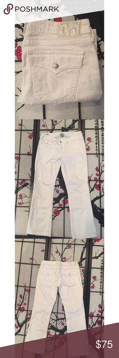 NWOT True Religion White Becky Jeans NWOT never worn True Religion Jeans.   Measurements - Waist 16in / Inseam 28in / Length 36 1/2in True Religion Jeans
