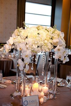 Clear Centerpiece. Orchids