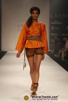 Image from http://www.bharattextile.com/features/lakme-fashion-week/2010/autumn-winter/images/debarun-mukherjee/debarun-mukherjee.10601.jpg.