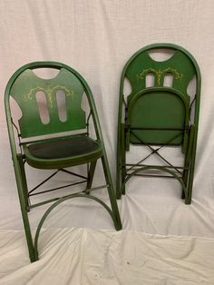 Solid Kumfort Folding Table and Chairs Set | Central Delaware Habitat for Humanity ReStore