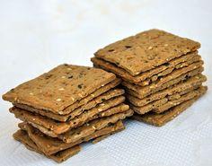 Crackers ai 7 Cereali _ olio e sale _ healthy and delicious baked goods_ prodotti_ forno_ Specialità_ gastronomica_ Salento