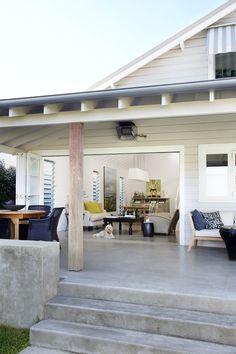 Concrete finish. Justine Hugh-Jones Design | Deck | PHOTO Nicky Ryan | Est Magazine