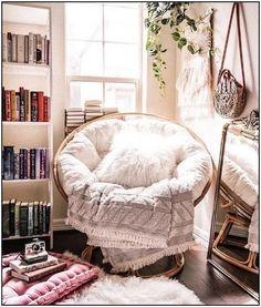 125 comfortable papasan chair design ideas page 17 Bedroom Inspo, Home Decor Bedroom, Bedroom Ideas, Interior Livingroom, Cozy Apartment Decor, Papasan Chair, Papasan Cushion, Bedroom Chair, Bedroom Furniture