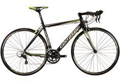 Rennrad, 28 Zoll, 18 Gang SHIMANO SORA, schwarz-grün-weiß, »Dolomiti SORA«, Corratec.  Lieferbar in 5 Rahmenhöhen  Das Rennrad Dolomiti ist kein Einsteigermodell, denn es vermittelt Freude und Fahrgefühl einer vollwertigen Rennmaschine. Zudem bietet das Rad mit den dreifach konifizierten 6069 Rohren einen kaum schwereren Rahmen als das Carbon CCT Team - der Beweis für die Klasse eines Aluminium...