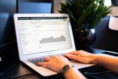 O Search Engine Optimization (SEO), ou otimização de sites, é um processo que pressupõe colocar sites nas primeiras cinco posições no ranking do Google usando como ferramenta as palavras-chave. Mas não somente isso, também o contexto das frases, o posicionamento das palavras dentro dessas frases, para que possam ser reconhecidas pelos sistemas de busca, como ... Leia Mais O post A competitividade de palavras-chave e a diferença nos sites apareceu primeiro  Inbound Marketing, Marketing Online, Digital Marketing Services, Seo Services, Content Marketing, Internet Marketing, Affiliate Marketing, Google Analytics, Data Analytics