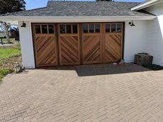 This type of dark garage door is seriously a powerful style .- This type of dark garage door is seriously a powerful style procedure. This type of dark garage door is seriously a powerful style procedure. Metal Garage Doors, Garage Door Sizes, Garage Door Design, Wood Doors, Cedar Garage Door, Modern Garage Doors, Garage Exterior, Steel Garage, Exterior Remodel