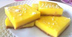 Receta de lemon bars sin azúcar, unos bocaditos de limón de forma cuadrada ligeros y deliciosos, ideales para el postre o el café ♥