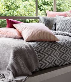 Cushion cover in a cotton weave #HMHome
