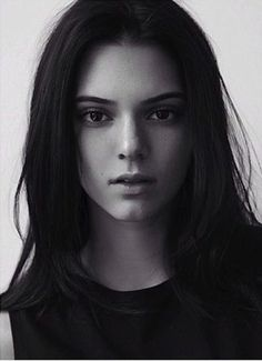 Kendall Jenner Modeling For Black And White Portrait Pictures Kardashian Kollection, Kardashian Jenner, Foto Portrait, Portrait Photography, Makeup Photography, White Photography, Book Modelo, Kendall Y Kylie Jenner, Hair Extensions Uk