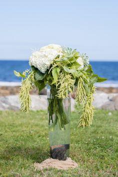 photo: Mon Petite Studio #wedding #ceremony #flowers #newengland #seacoast #newhampshire