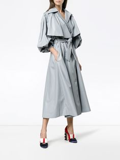 Rain coat Outfit London - Rain coat For Women Long - Rain coat Street Style Men - Clear Rain coat For Women - - Trench Coat Outfit, Raincoat Outfit, Coat Dress, Hijab Fashion, Fashion Outfits, Womens Fashion, Designer Trench Coats, Raincoats For Women, Fashion Looks
