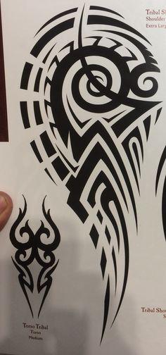 Τα του μαορι Tribal Hand Tattoos, Geometric Tattoos Men, Tribal Shoulder Tattoos, Native Tattoos, Mens Shoulder Tattoo, Wolf Tattoo Forearm, Ant Tattoo, Arm Band Tattoo, Wörter Tattoos