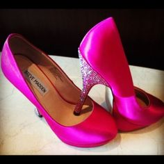 Hot Pink heels! Omg I want these id wear these under a wedding dress for sure!