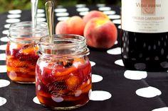 #Aspic di #pesche al #vino rosso. Leggi la ricetta qui: http://www.vinicartasegna.it/pesche-vino-ricetta-aspic-pesche/