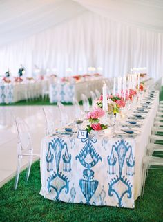 LOVE the runner! Patterned Wedding Details That Wow - Style Me Pretty