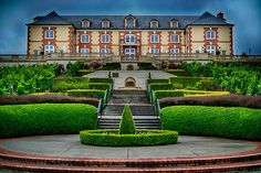 Taittinger's Domaine Carneros Winery in Napa Valley//Sparkling tasting on the patio Napa Valley Wineries, Sonoma Wineries, Napa Sonoma, Sonoma Valley, Napa Winery, Sonoma Wine Country, California Wine, Wine Tasting, Beautiful Places