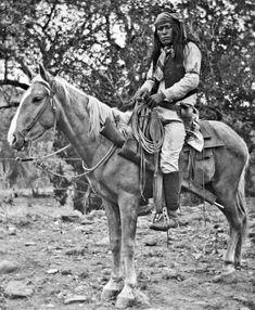 APACHE CHIRICAHUA a caballo año 1920