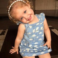 Cute Little Baby, Cute Baby Girl, Pretty Baby, Little Babies, Cute Babies, Baby Kids, Old Baby Clothes, Storing Baby Clothes, White And Mexican Babies