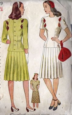 """1940s Two Piece Dress, Pleated Skirt with Back Button Top Simplicity 4989 Bust 34"""" Waist 28"""" Hips 37"""""""