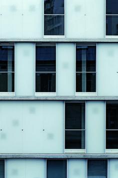 ECDM - Louis Blanc social housing, Paris 2006.
