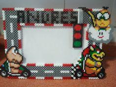 Marco de fotos 10X15 personalizado  tema Mario Kart en hama midi, figuras en hama mini