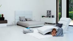 Pecaful Bedroom in White Color Design Ideas   Interior Minimalist Design