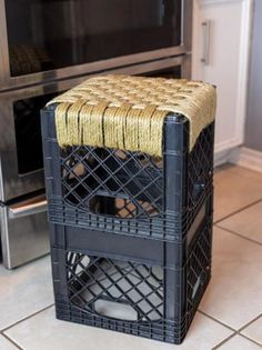 How to make a woven stool with sisal and a milk crate