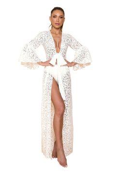 Saída Star Off White - MOS Brazilian Beachwear Kaftan, Off White, Beachwear, Ideias Fashion, Stars, Fitness, Beach Playsuit, Beachwear Fashion, Ruffles