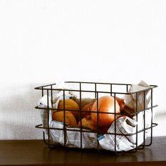 #根菜   #ワイヤーバスケット  #francfranc   #kitchen   #justspace   #ライフオーガナイザー  #ライフオーガナイズ   #整理 #収納 #暮らし   #シンプル #モノトーン   #埼玉 #三郷