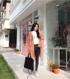 Korean Daily Fashion- Outdoor Look in Autumn Popular Autumn Fashion in Korea Light blue sweater with skinny jeans Striped...