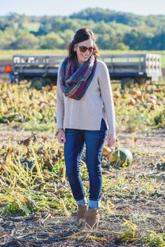 These figure-flattering jeans are comfortable and on trend, and they kept their shape even after spending an afternoon at the pumpkin patch. Best of all, they retail for less than $20! Sponsored by @ridersbylee.