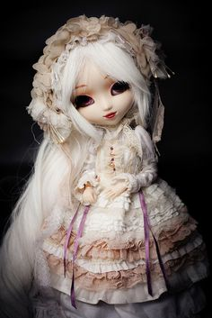 That white lady.. by Rainbow Magical Orchestra ♫, via Flickr