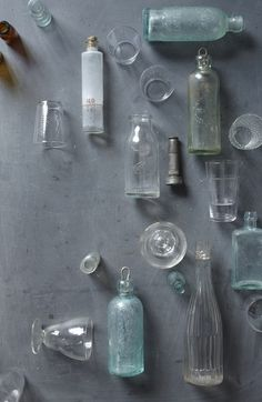 ❤️❤️ these colors . Have always loved collections of glade bottles Christina Lane - Objects Antique Bottles, Vintage Bottles, Bottles And Jars, Glass Bottles, Still Life Photos, Prop Styling, Still Life Photography, Carafe, Color Inspiration